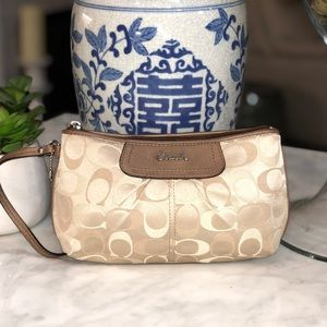 Coach signature sateen canvas wristlet great cond.